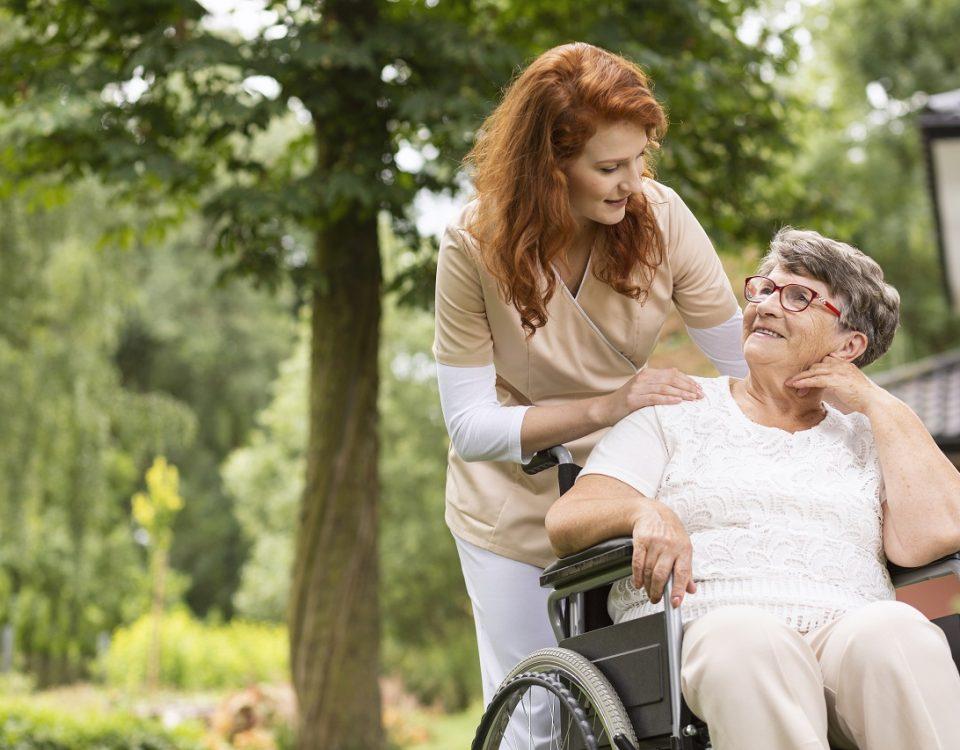 service pour personnes âgées à Nice